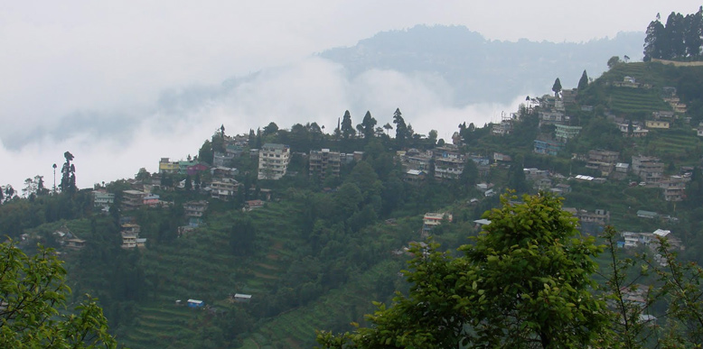 http://www.tourmyindia.com/blog/wp-content/uploads/2013/10/kalimpong.jpg