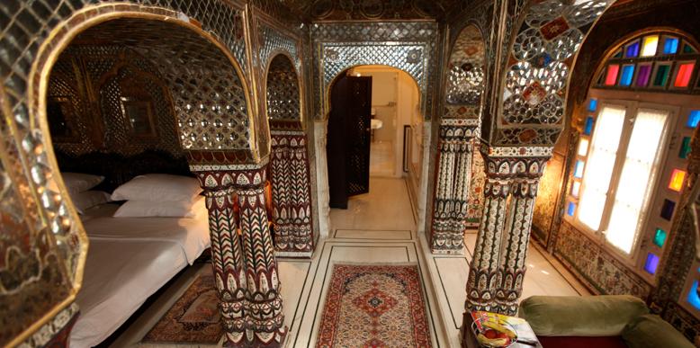 Sheesh-Mahal-jaipur