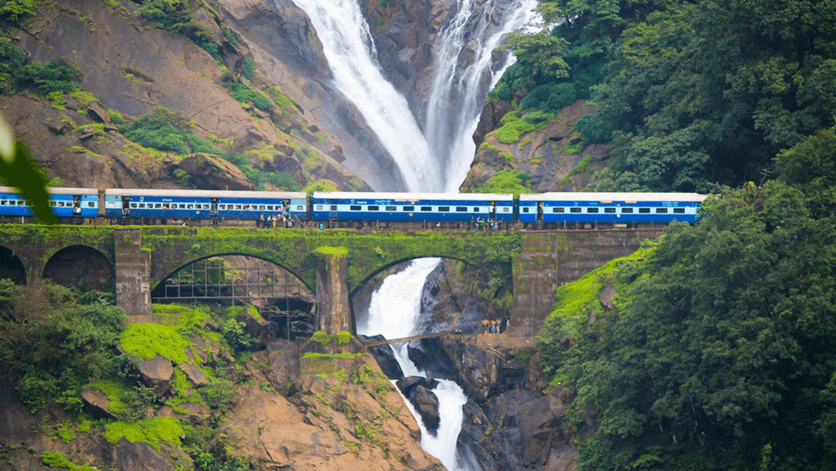 Top Cozy Summer Vacations in India