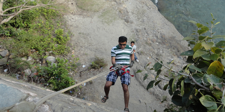 rappeling-at-corbett