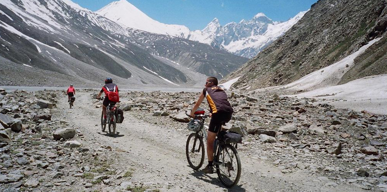 mountain-biking-ladakh