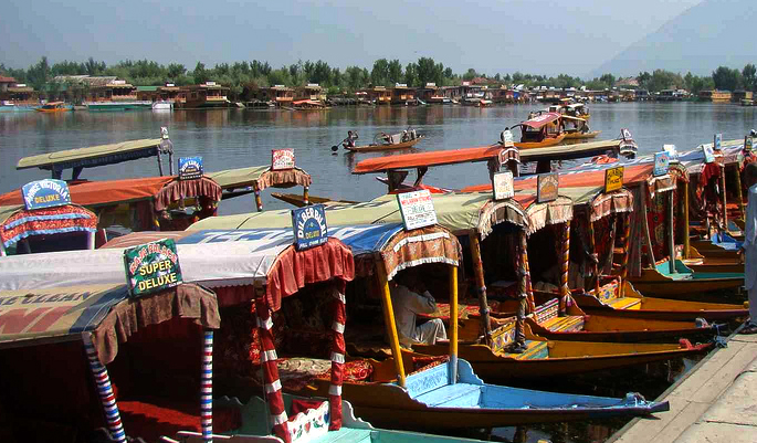 srinagar-dal-lake