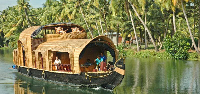 Houseboat Cruise on the backwaters of Alleppey