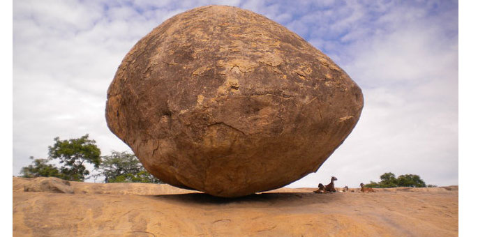 Balancing-rock-Mahabalipura