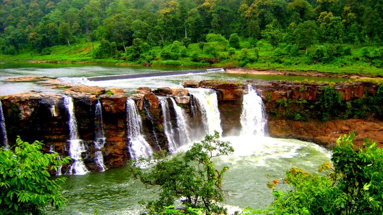 Gira Water Fall Saputara