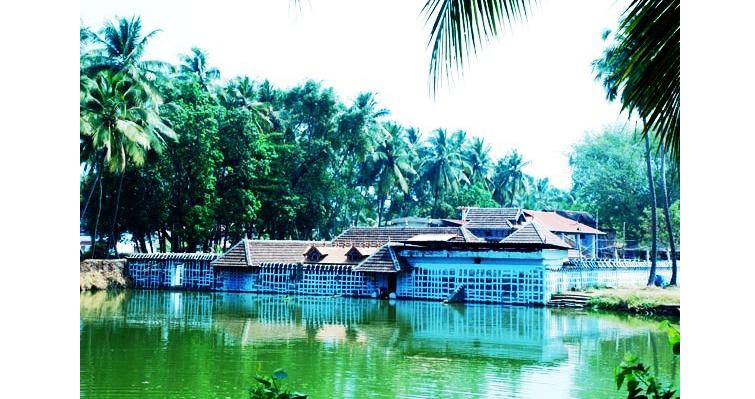 Sri Emoor Bhagavathy Temple, Kallekulangara, Palakkad