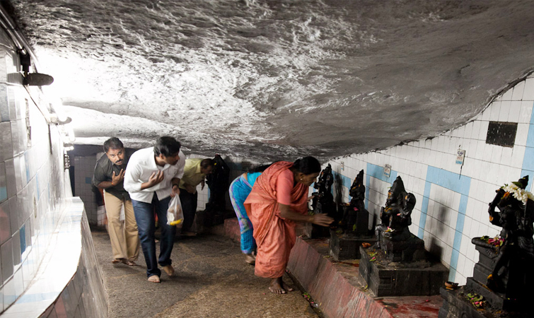 Gavi Gangadhareshwar Temple Banglore