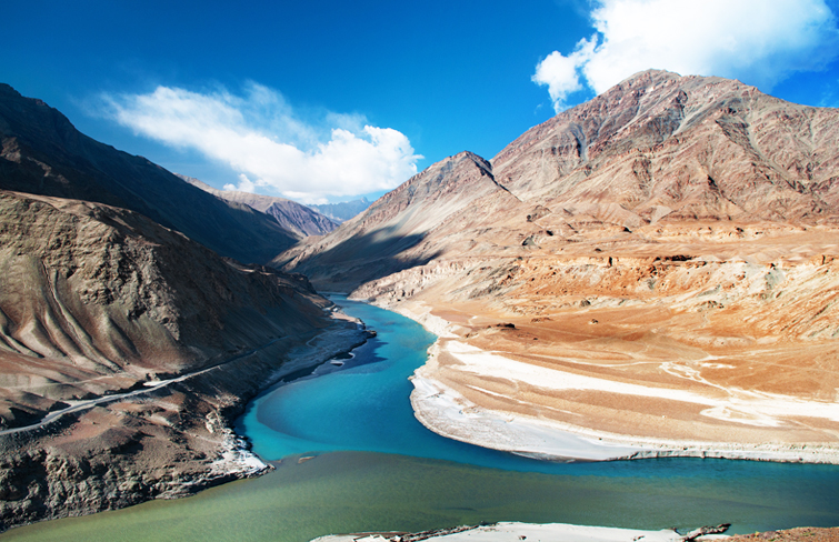 Confluence-Zanskar-and-Indus-River