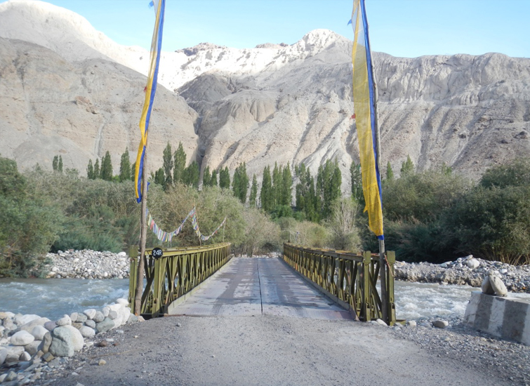 On the Way from Nubra to Pangong
