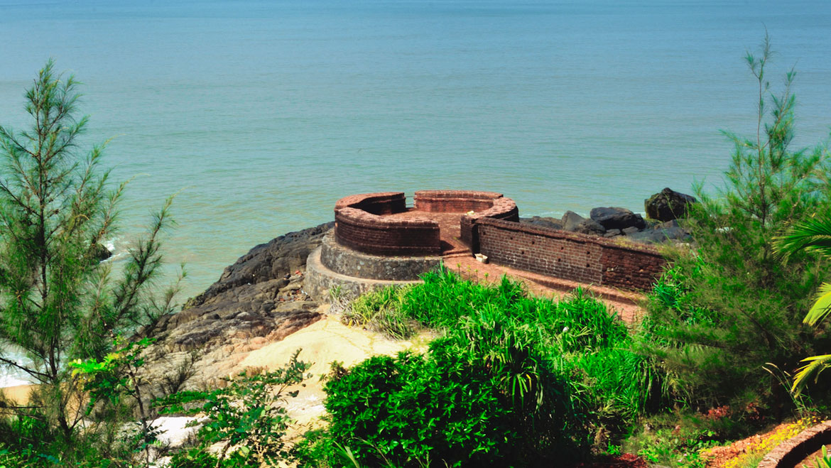 15 Top Kerala's Historical Places & Monuments You Must Visit