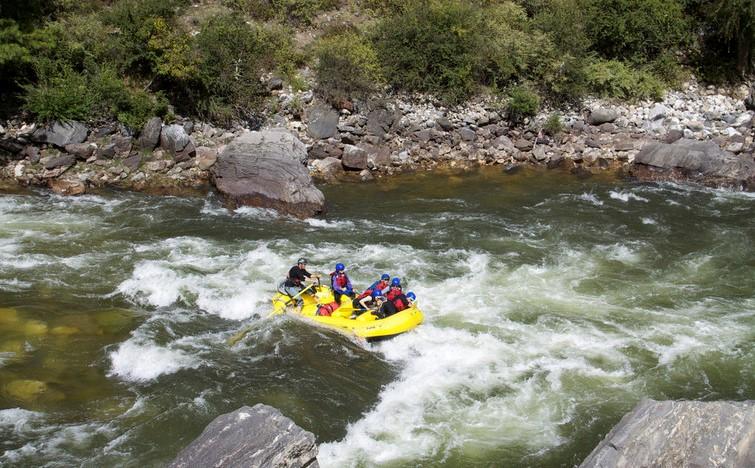 Rafting in Paro Chhu