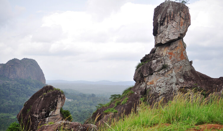 Trekking to the archaeological site of Phantom rock