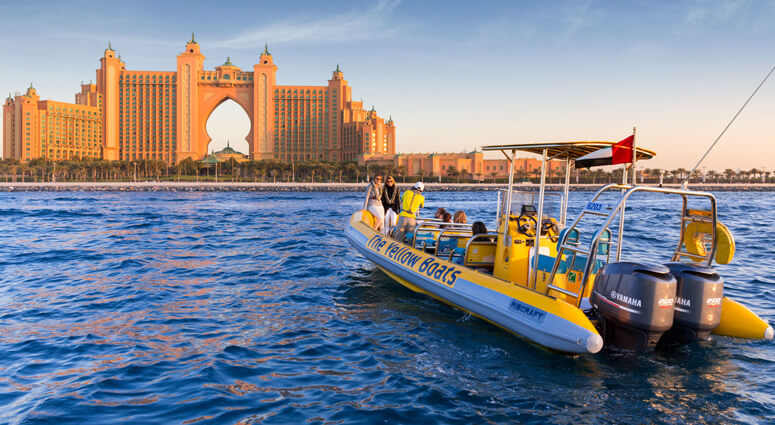 Boat Sightseeing in the Persian Gulf