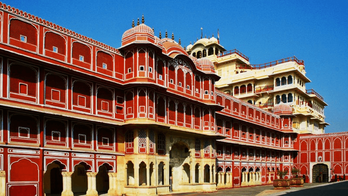 Get The Royal Feel Visiting The City Palace Museum in Jaipur