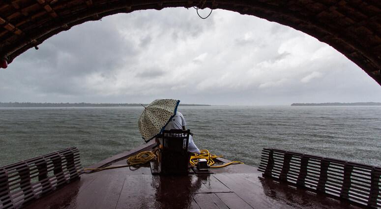 Houseboat-ride-in-Kerala