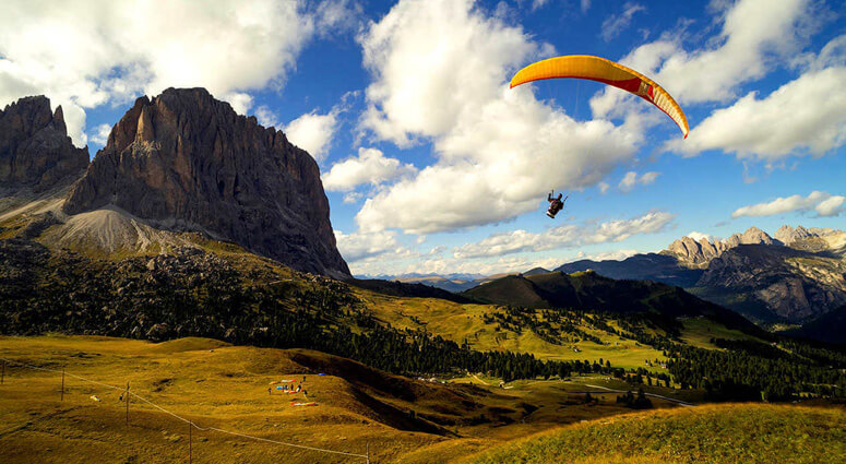 Paragliding-in-Birilling