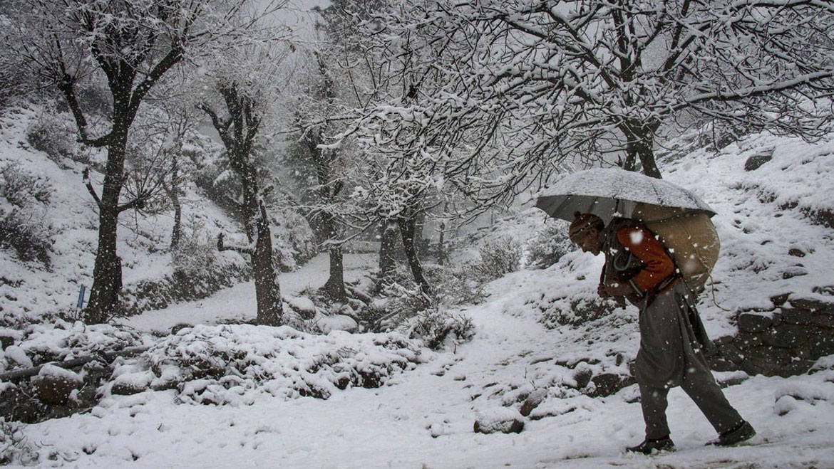Heavy Snowfall in The Higher Reaches of Kashmir