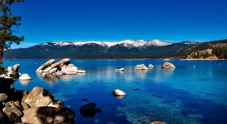 Blue-Lake,-New-Zealand_