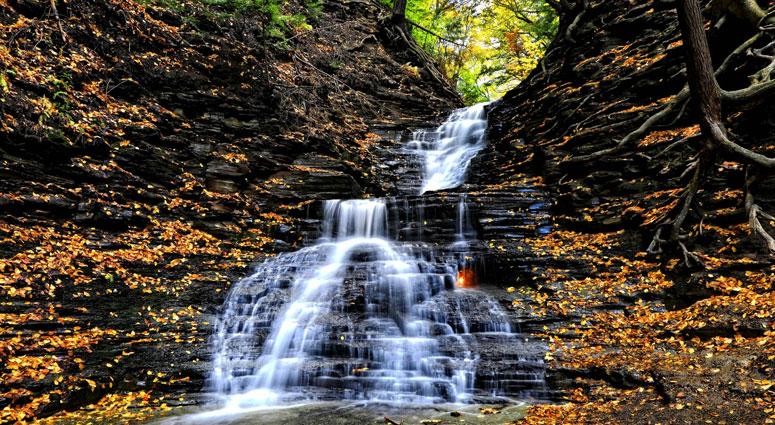 Eternal-Flame-Falls,-US