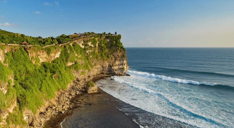 Hike to Pura Luhur Uluwatu