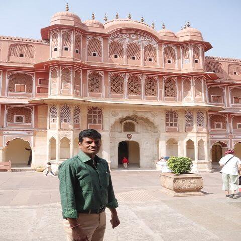 Vijay - The Tour Guide