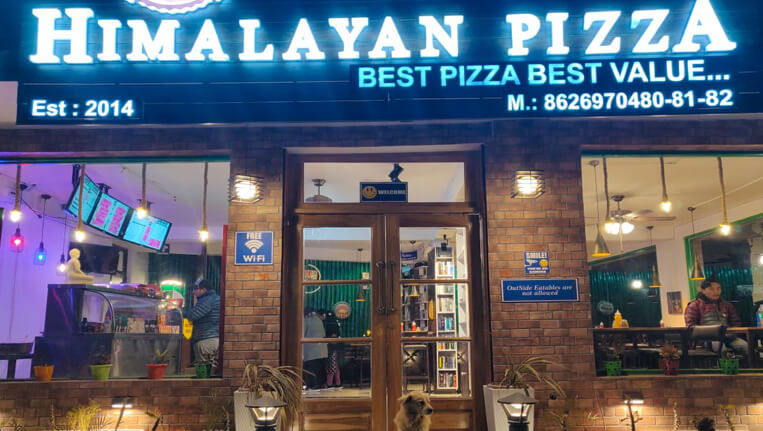 Himalayan Pizza Zostel