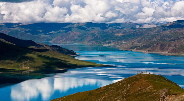 Lake Yamdrok, Tibet