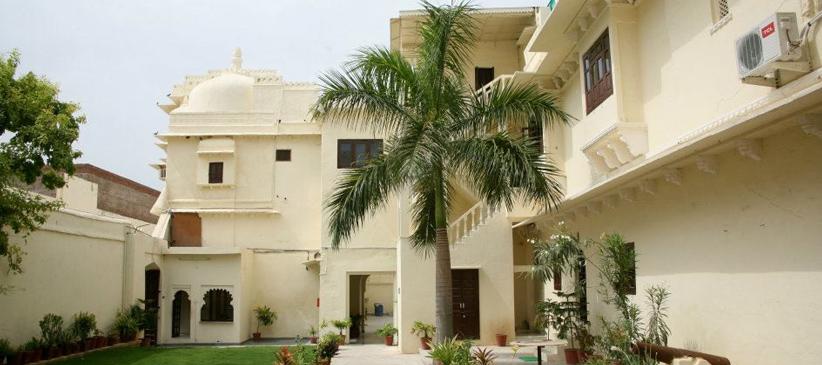 Udaipur Hotels 3 Star Hotel Rajmahal Bhindar...
