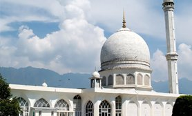 Hazratbal_Shrine