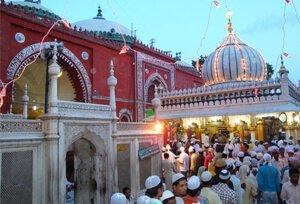 Image result for images of nizamuddin dargah