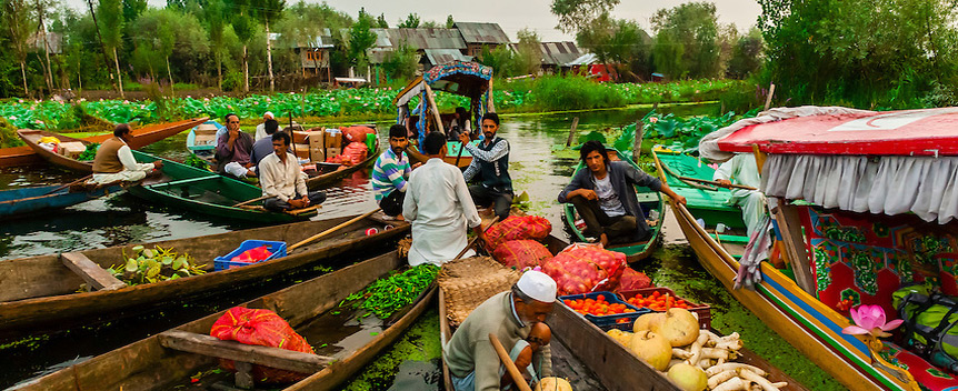 floating-vegetable-market