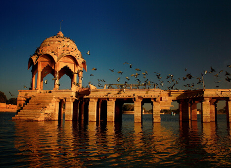 A still image of the Gadisar Lake...