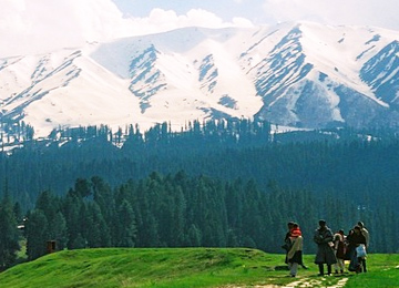 houseboat-with-gulmarg