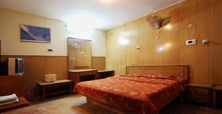 Hotel Shangri La Dalhousie 2 Star Hotel