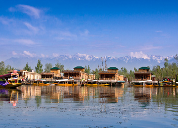 Kashmir Houseboat Tour With Gulmarg & Sonmarg