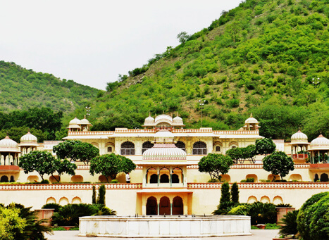Sisodia Rani Palace and Garden, Jaipur