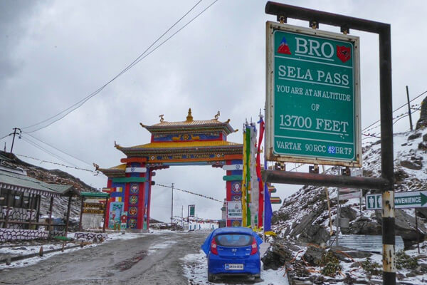 Sela Pass in Tawang : Arunachal Pradesh Sightseeing Tour