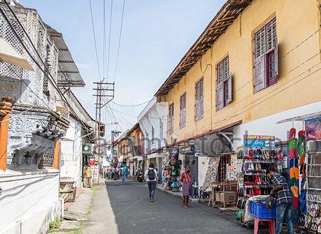 Jew Town Kochi Popular Antique Shopping Place In Kerala